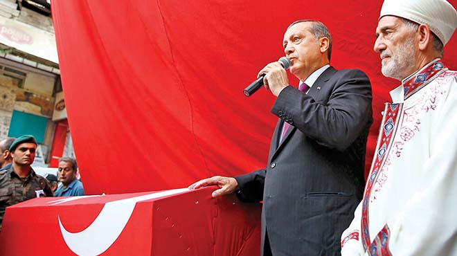 Cumhurbaşkanı Erdoğan'dan Sitem Eden Şehit Kardeşine: 'Ağabeyin de Bu Mesleği Seçmeseydi'