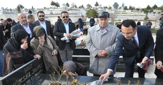 Helikopter Kazasında Ölenler Mezarı Başında Anıldı