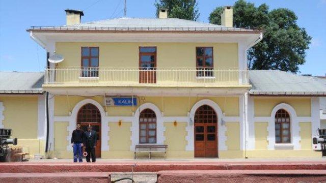 Özdemir Asaf'ın Şiirine Konu Olan 79 Yıllık 'Kalın İstasyonu' Artık Daha 'Kalabalık'