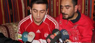 Sivassporlu taraftarlardan hakem Özkahya'ya tepki