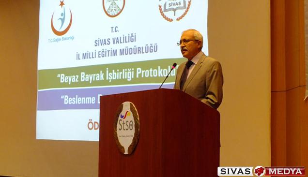Sivas'ta okullara beyaz bayrak verildi